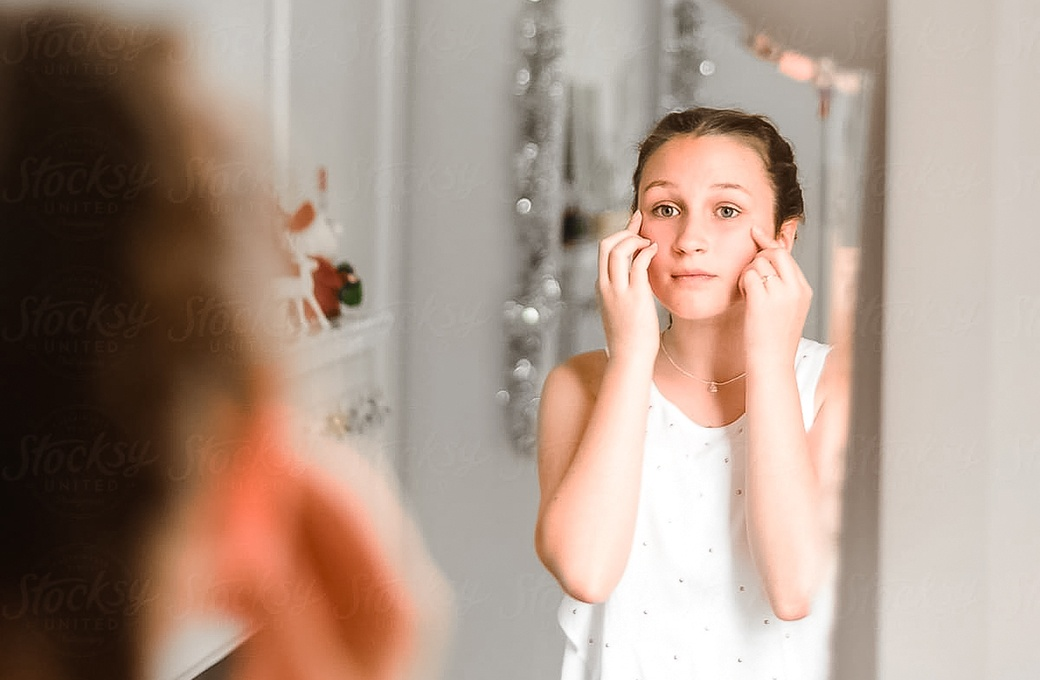 Helping-Your-Daughter-Develop-a-Positive-Body-Image