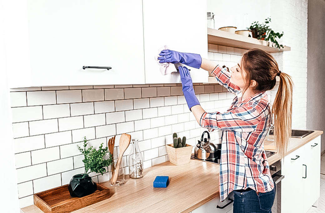 Spring-Cleaning-Checklist-And-Tips-To-Organize-Your-Home