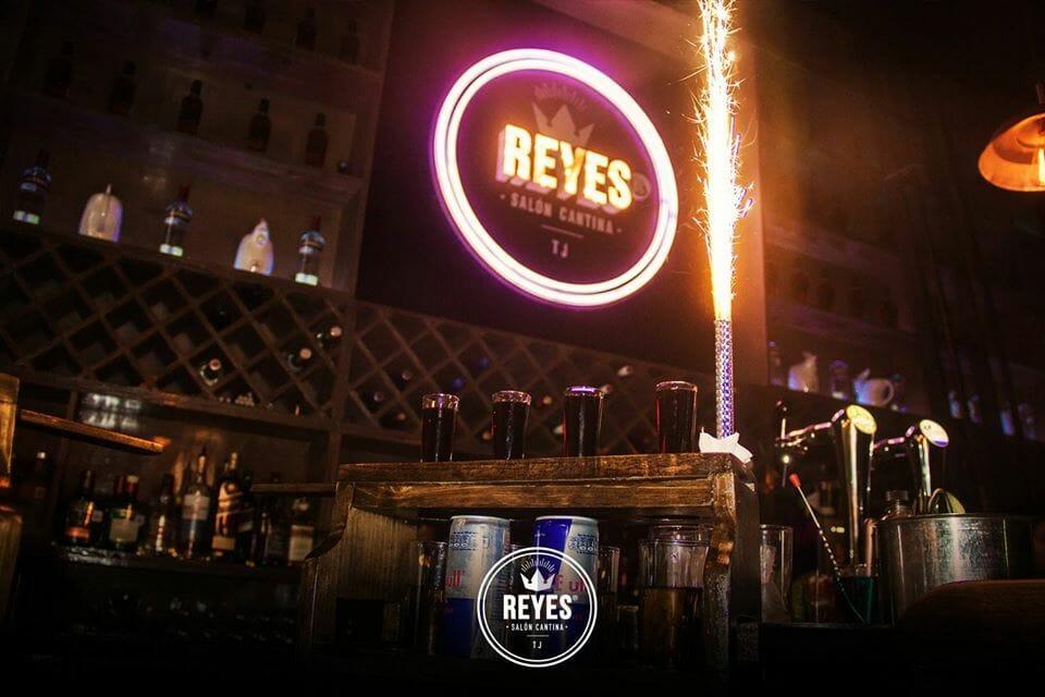 Reyes Salon Cantina