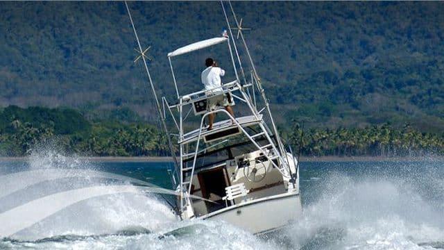Fishing-Boat-Deep-Sea-Fishing-Tour