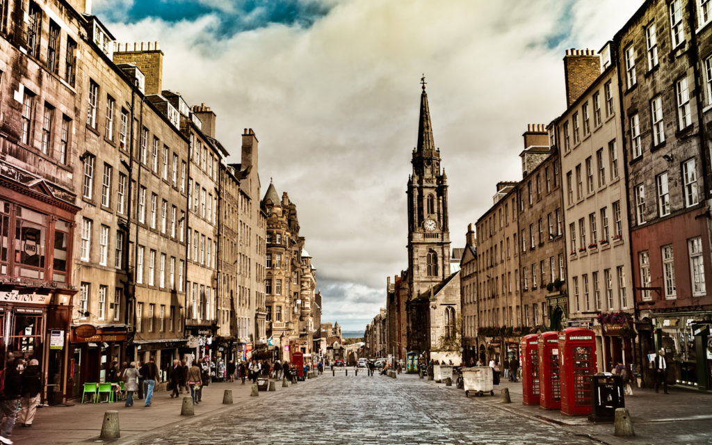 Amazing Experiences in Europe - Royal Mile