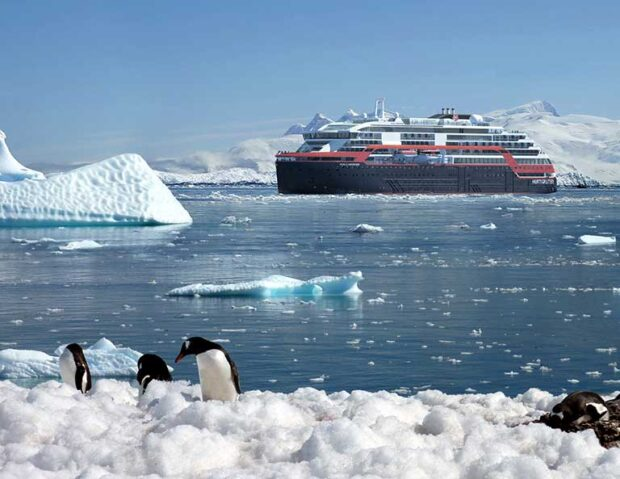 Hurtigruten in Antarctica