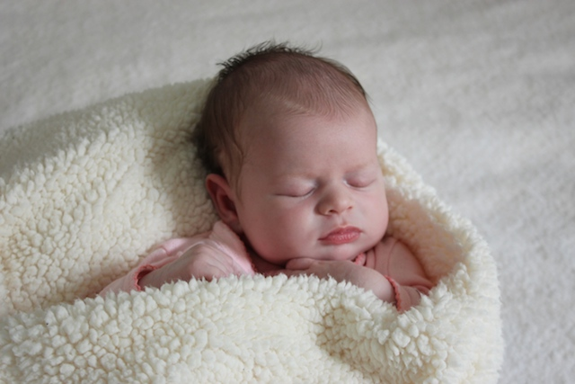 lucy-birth-announcement-cozy