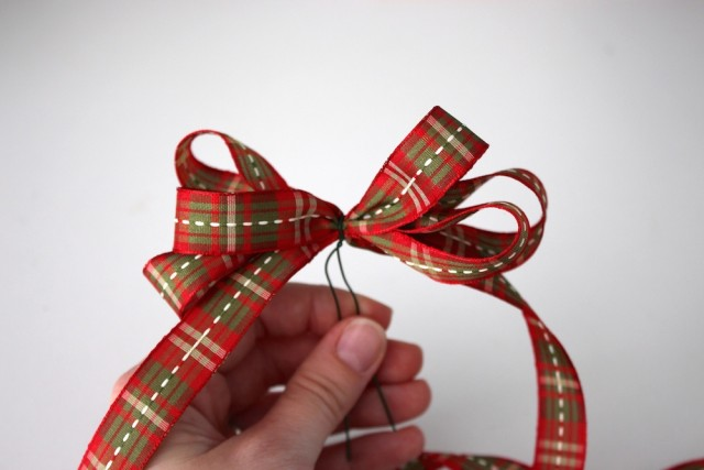 ribbon-bow-wire