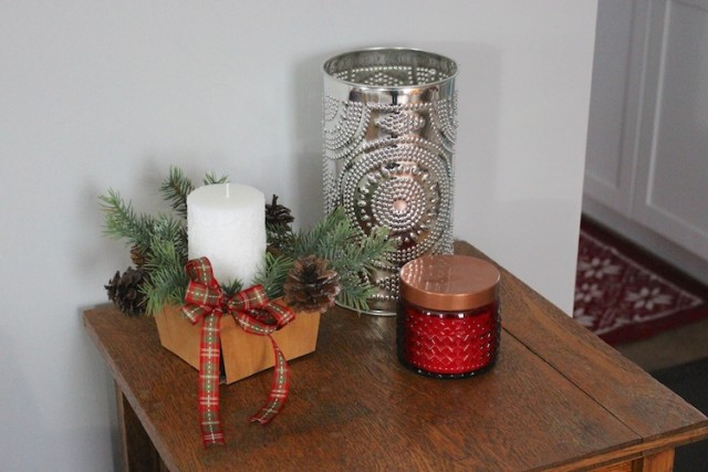 frosted-candle-tin-lantern