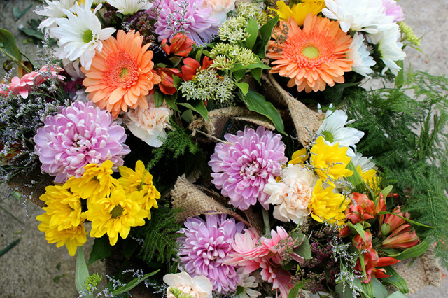 bouquets-hand-tied