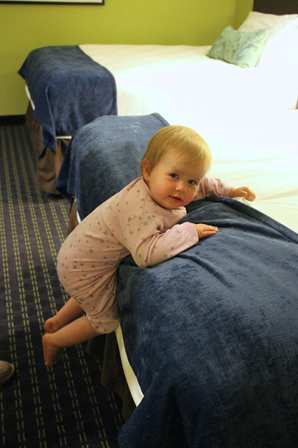 SRT17-lucy-hotel-bed