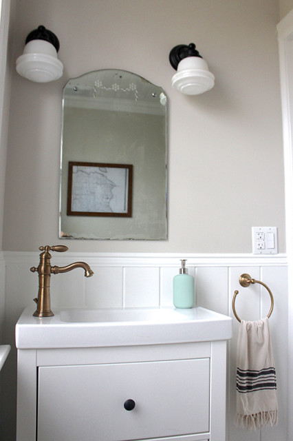 farmhouse-powder-room-renovation