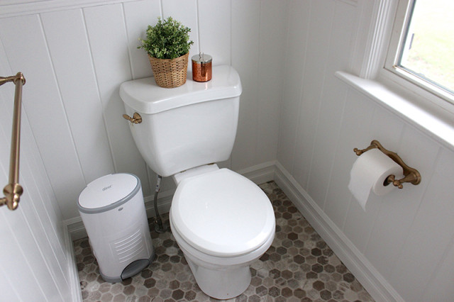farmhouse-powder-room-reveal