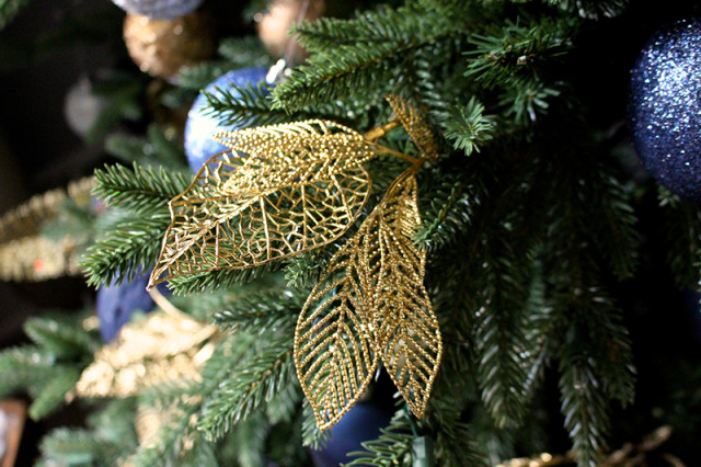 gold-garland-canvas-canadian-tire