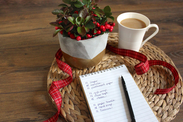 holiday-essentials-shopping-list-guide