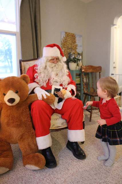 lucy-santa-christmas-party1