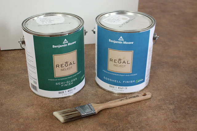 one-room-challenge-benjamin-moore-paint-cans-regal-select