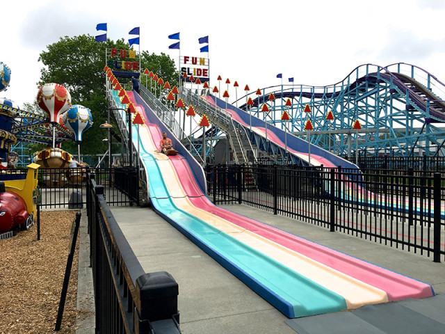 dutch-wonderland-pennsylvania-slide