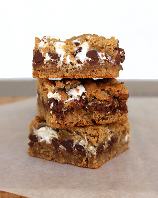 smore-cookie-bars-tower