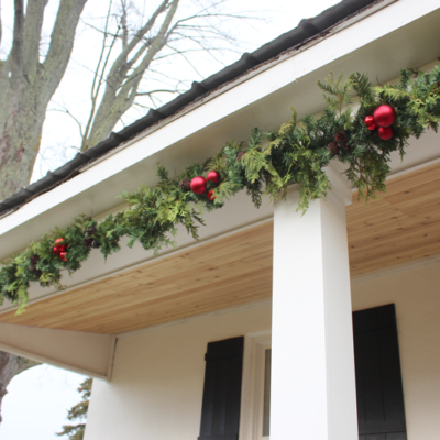How to Create a Christmas Garland with Real & Faux Greenery