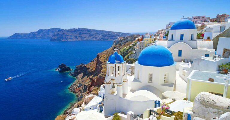 WHY VISITING SANTORINI ON YOUR YACHT CHARTER