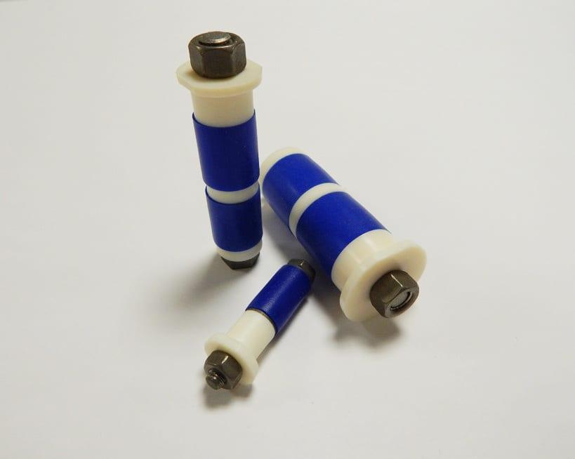 Multiple sizes of titanium tube plugs