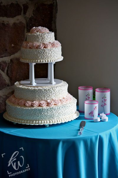 Beautiful wedding cake from wedding photo session in Reading, PA.