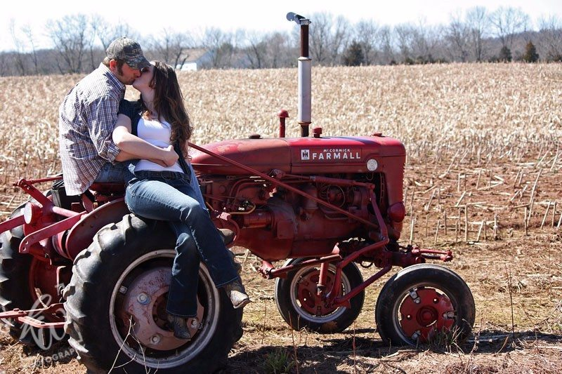 Country style engagement photography session in Berks County.