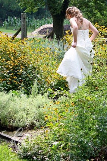 Stunning bride in PA wedding photography session