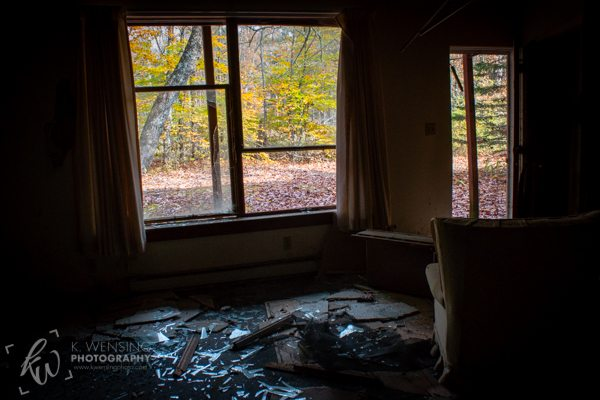 Abandoned Poconos motel room.