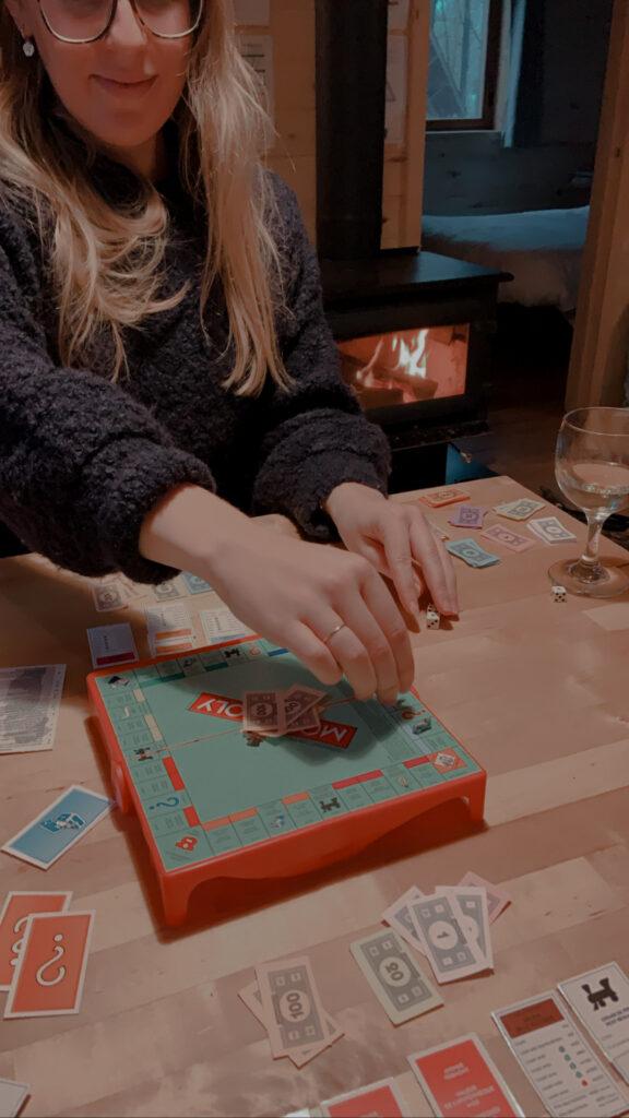 Monopoly chalet feu de foyer