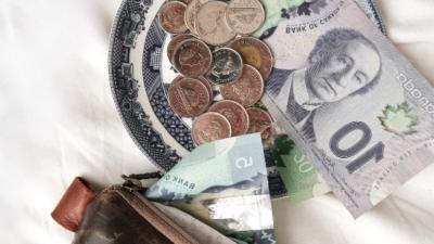argent canadien comment économiser