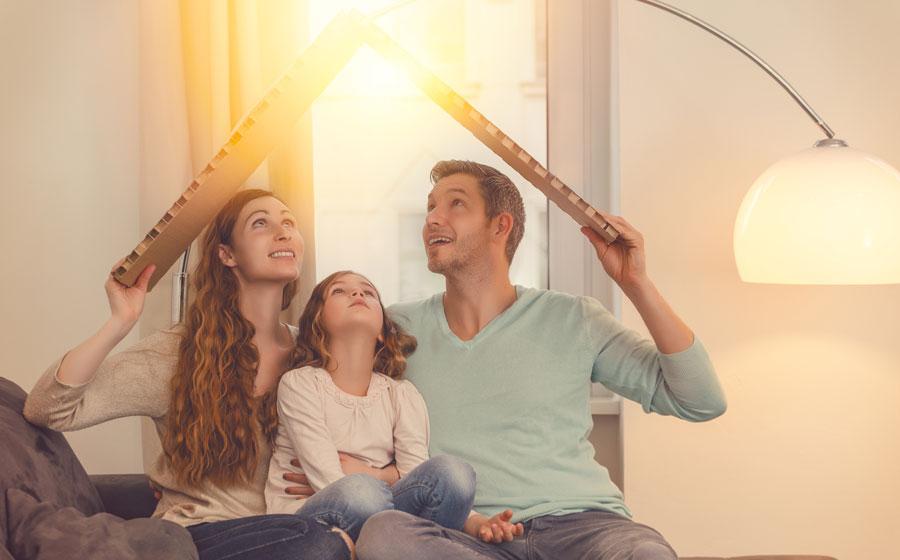 Familia disfrutando de su seguro de vida