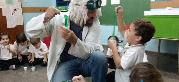 Científicos locos - Sala de 4 - Nivel Inicial - Institución Educativa Dr. Alberto Schweitzer - Sede Bolívar