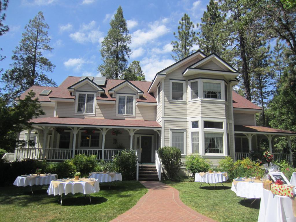beautiful home wedding