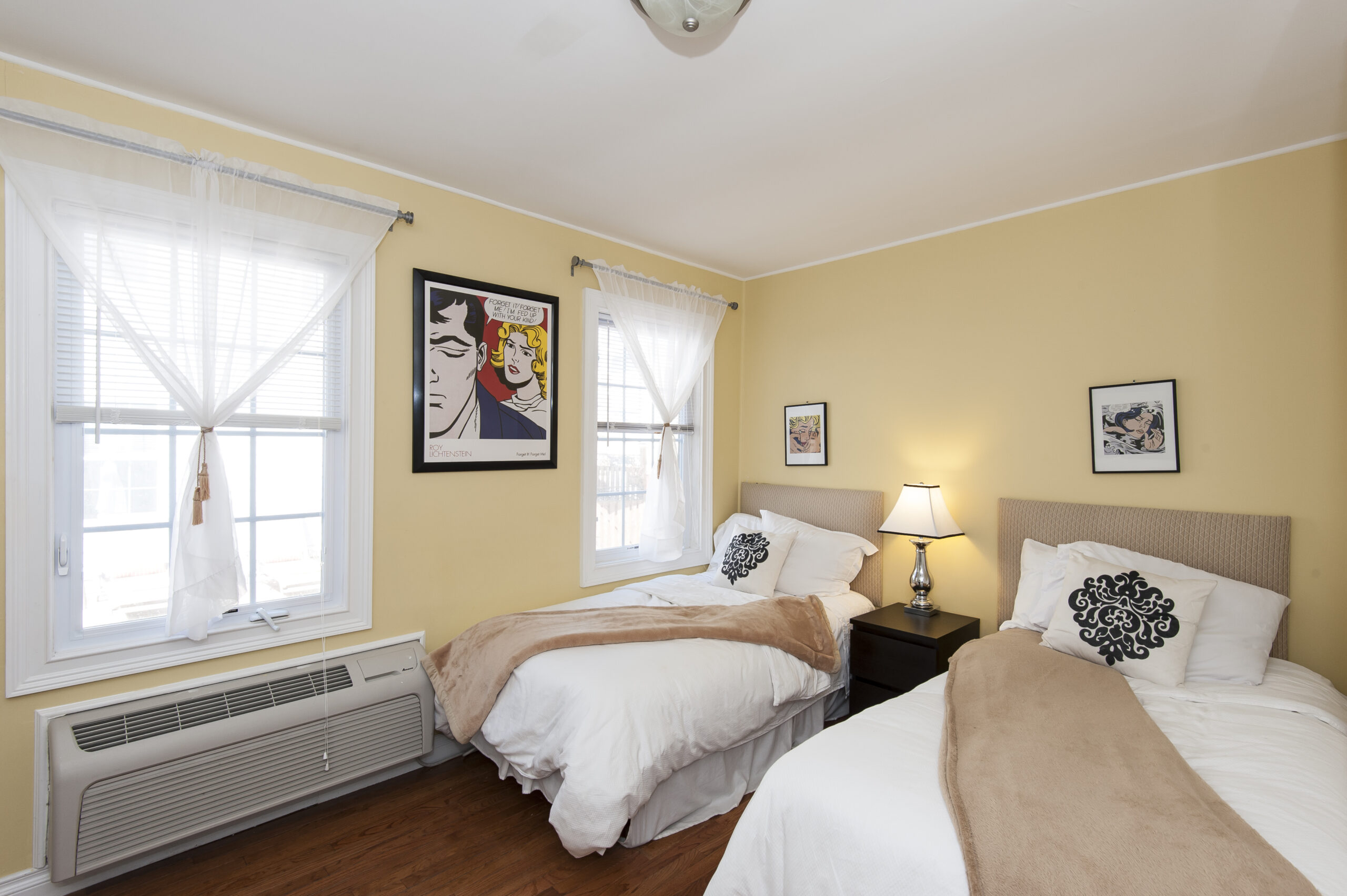 Chelsea Cottage 2 Twin Beds