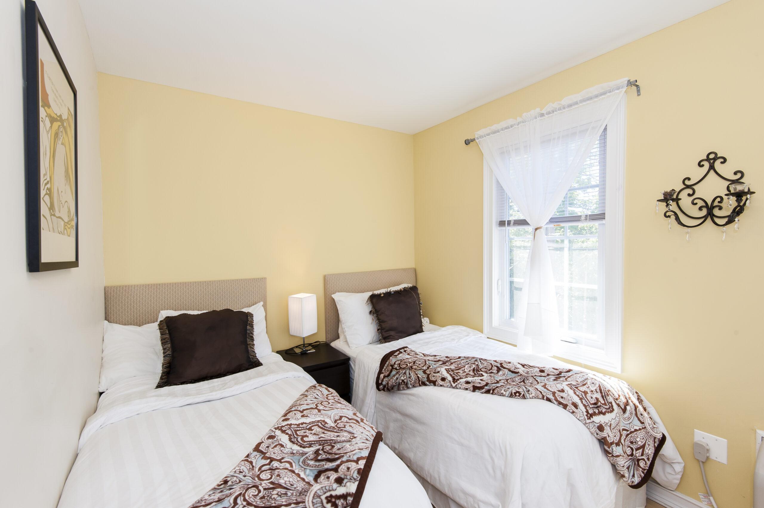 Lexington Twin Bedroom