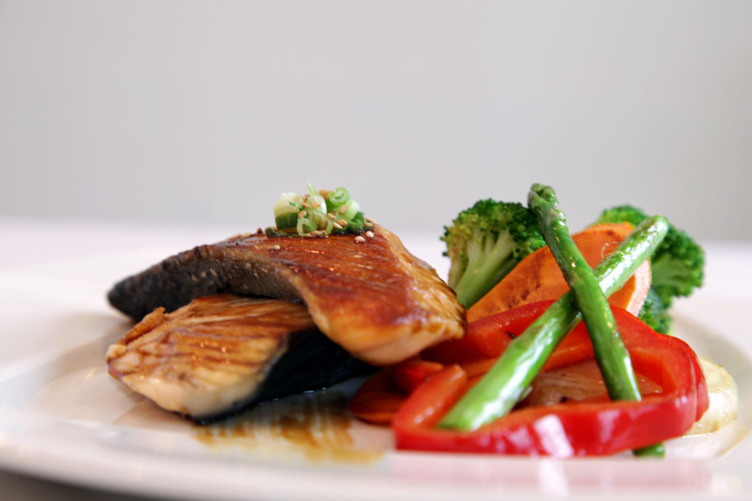 Salmon teriyaki  <br>Grilled salmon and vegetables in a teriyaki sauce