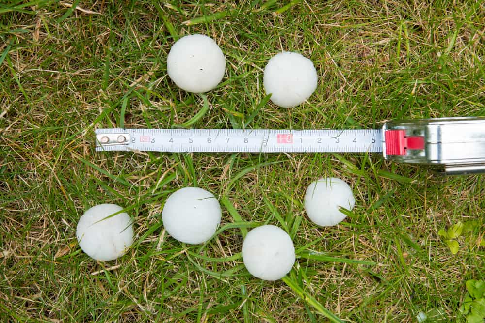 National Weather Service meteorologists are tracking a line of severe thunderstorms with a history ofproducing widespread damaging winds and large hail.
