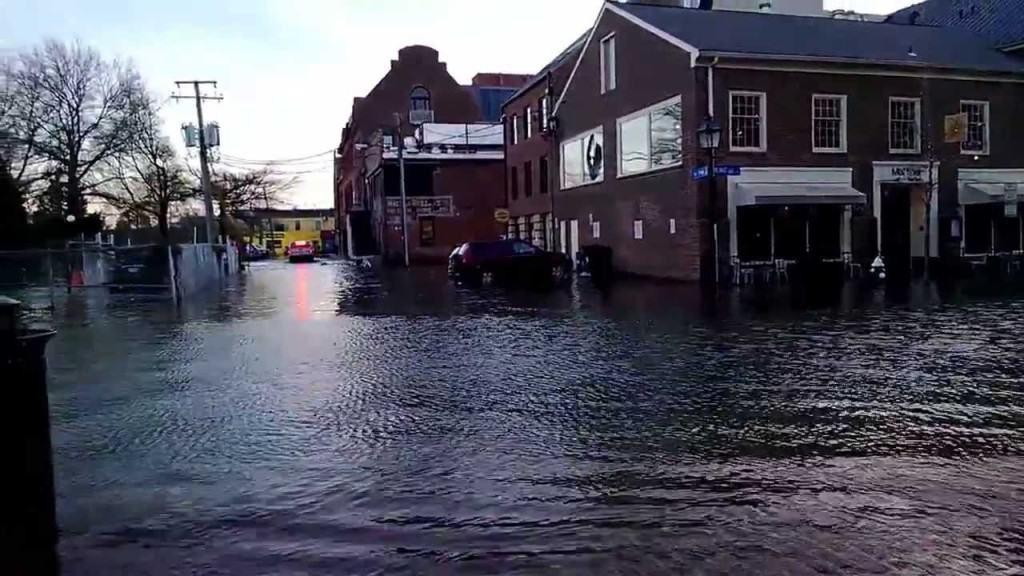 The National Weather Service (NWS) has issued the following Flood Warning for Alexandria, Virginia and the surrounding area from NOW until 1:15 AM late tonight (Tuesday, May 15, 2018).