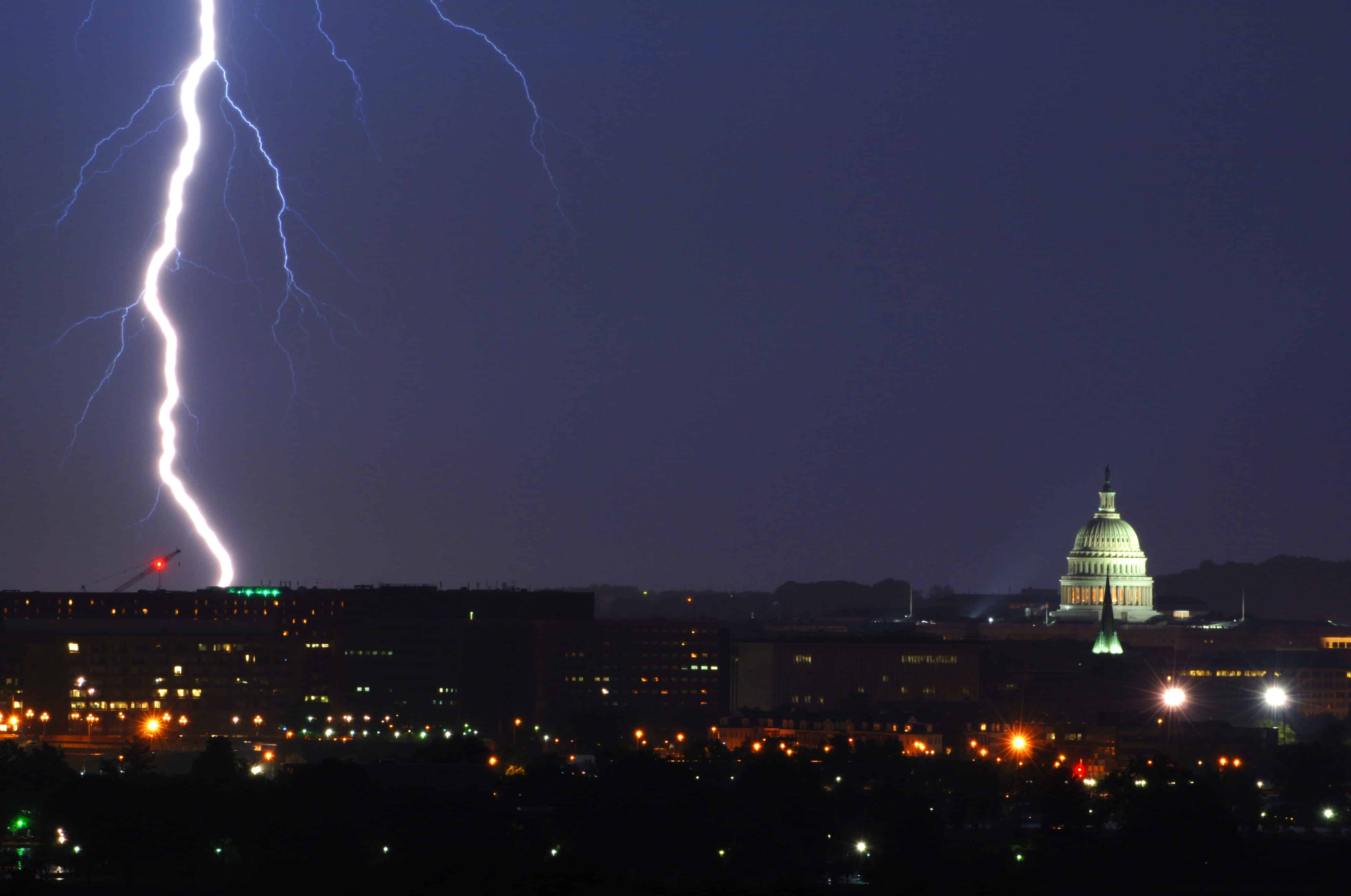 The National Weather Servicehas issueda Severe Thunderstorm Watchforthe City of Alexandria, Virginiaand the surrounding area until 11:00 p.m. this evening (Tuesday, May 15).