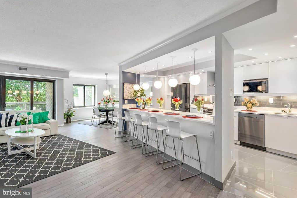 This gorgeous, modern 2BR 2 BA condominium has just hit the market for sale and is located at 307 Yoakum Parkway in the Landmark neighborhood of Alexandria, Virginia.