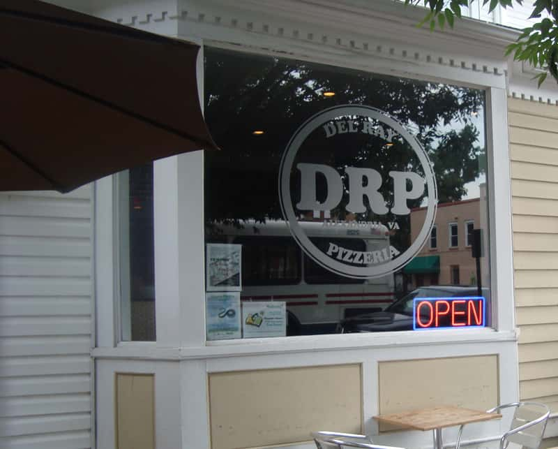 If you like sports, great beer and great pizza, Del Ray Pizzeria inthe Del Ray neighborhoodof Alexandria, Virginia is the spot for you.