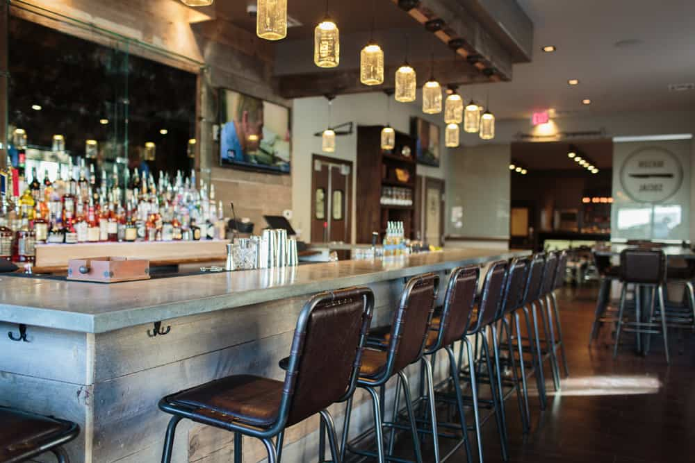 Mason Social is another of the 'New kids on the block' in Alexandria, Virginia, opening in the booming Braddock Road Metro neighborhood at 728 N. Henry Street. It's become a favorite spot of mine for many reasons, chief of which is the seven (7) large flat screen TV's in the bar area for sports viewing and the great food.