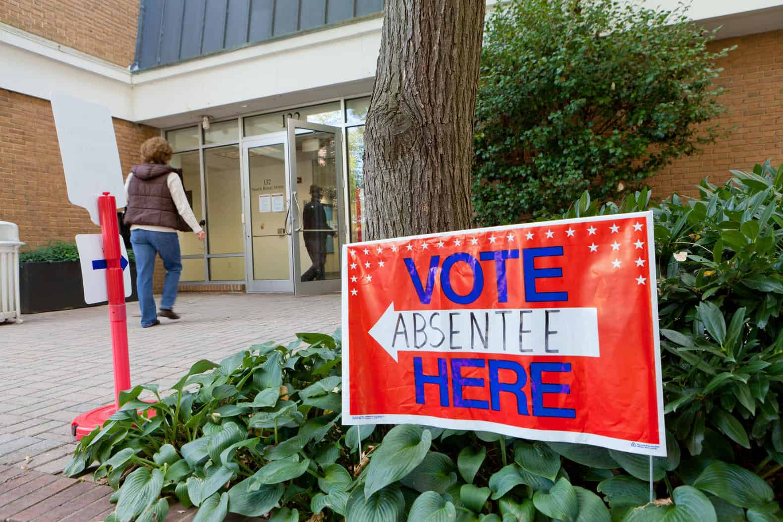 Alexandria, Virginia voters who will be traveling or otherwise unable to go to the polls Tuesday, June 12 have until Tuesday, June 5, 2018 to apply for an absentee ballot. Details...