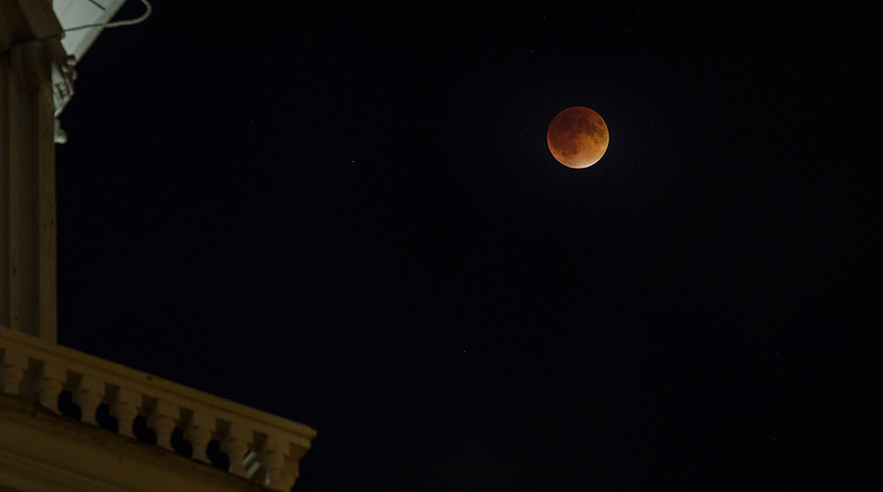 Check out these fantastic photos of 2015's supermoon lunar eclipse (a.k.a. 'Blood' Moon) over Alexandria, Virginia (see above and below).
