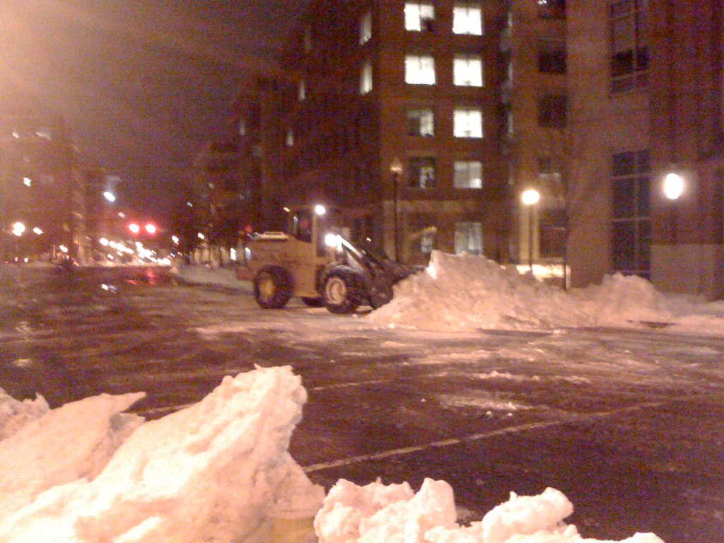 With snow happening this weekend in Alexandria, Virginia, on thisFlashback Friday, here's a look back at other bad snowstorms in Alexandria, Virginia.