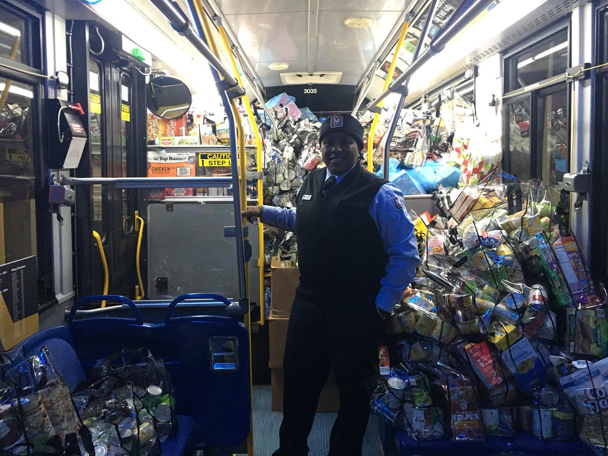 This morning at the Capital Area Food Bank, Metro General Manager and Chief Executive Officer Paul J. Wiedefeld was joined by more than 100 Metro employees to deliver a Metrobus full of food donated by Metro employees.