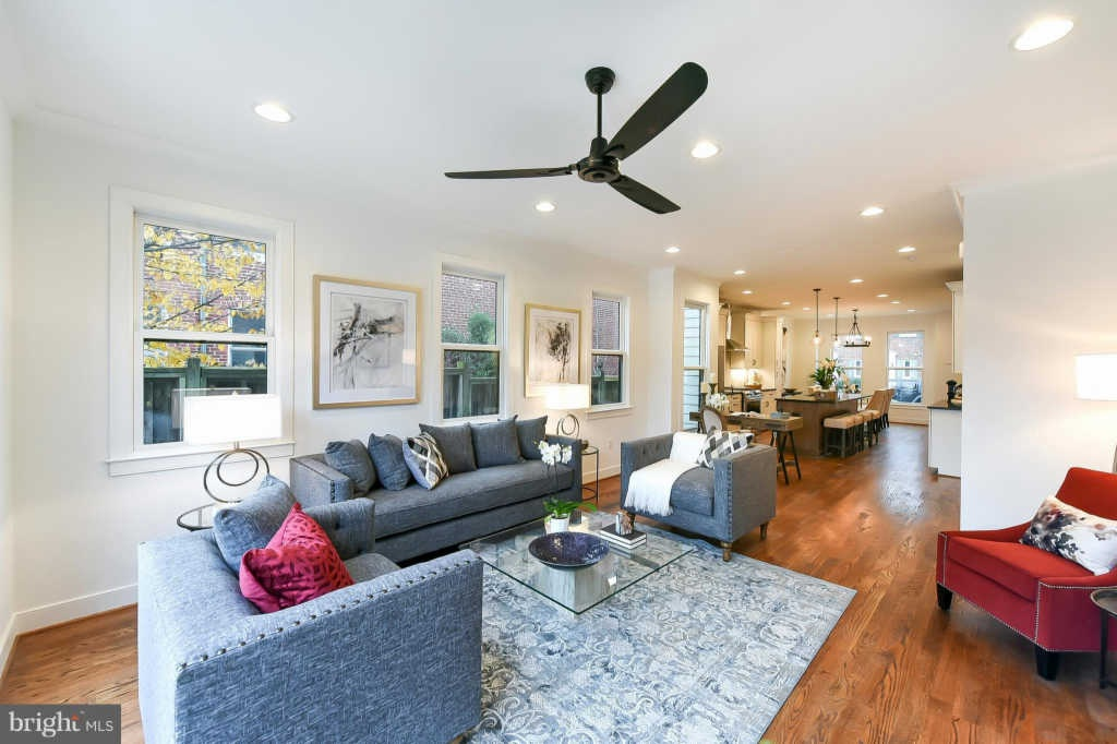 ViaZillow, here's a list of 32 open houses that you can visit taking place this weekend – January 12-13, 2019 – in Alexandria, Virginia.