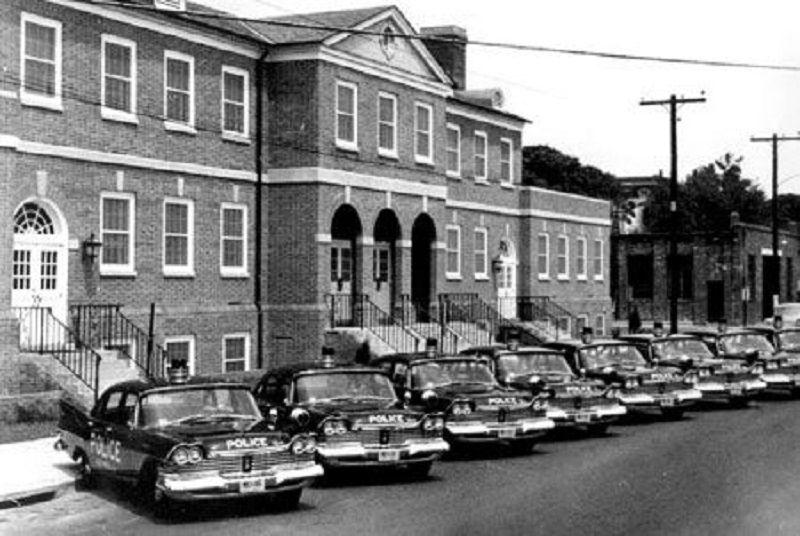ThisFlashback Friday, in honor of National Police Week, we thought we'd take a lookback at the oldAlexandria Police DepartmentHeadquarters.