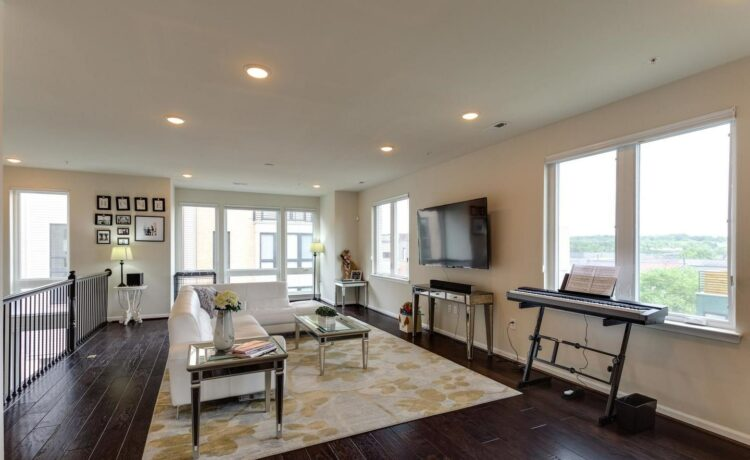Check out this gorgeous 3 BR 2 1/2 BA condo that recently hit the market for sale in the Landmark/Van Dorn neighborhood of Alexandria, Virginia.