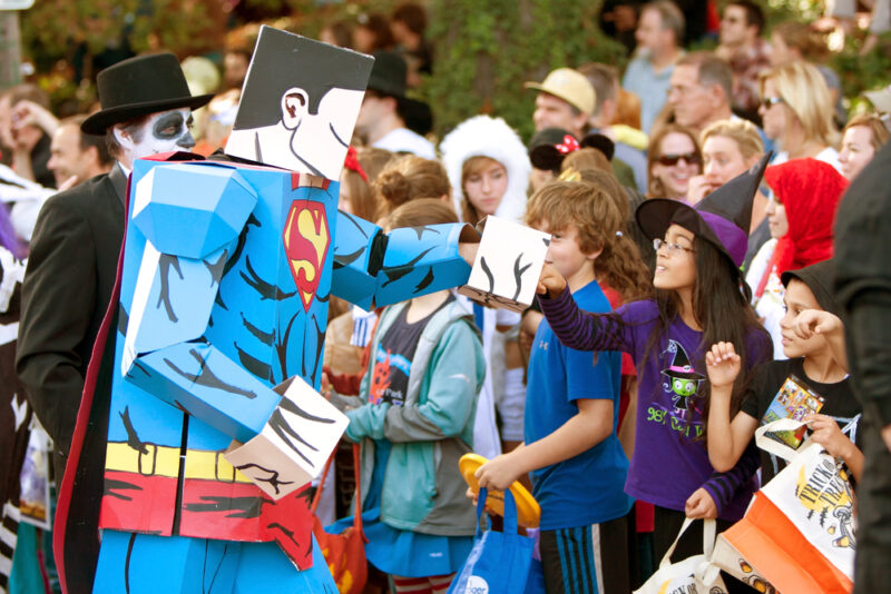 One of Del Ray's favorite traditions,, the 23rd annual Halloween Parade takes place Sunday, October 27, 2019 at 2:00 PM in Alexandria, Virginia.