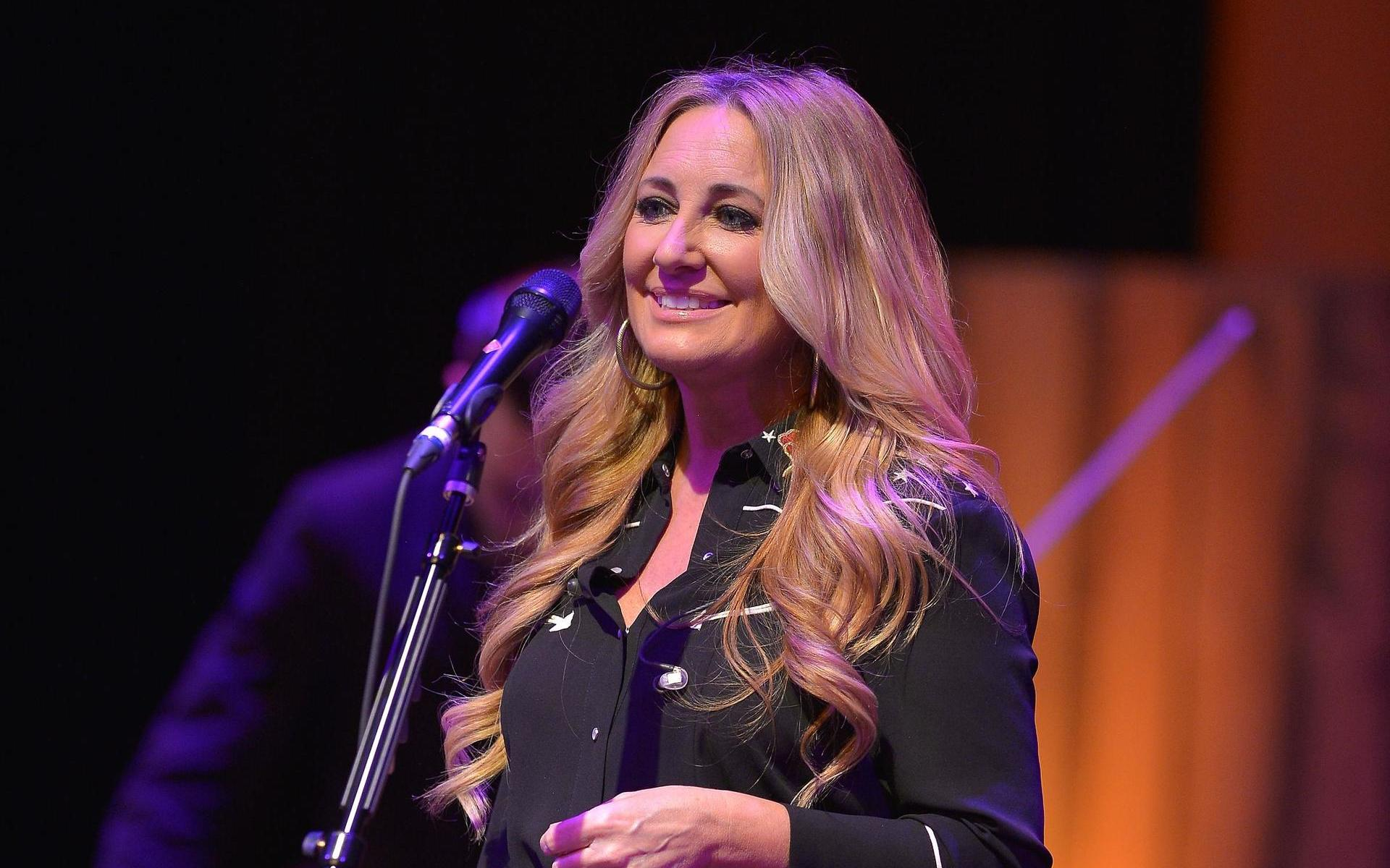 """Lee Ann Womack brings her """"Solitary Thinkin' Acoustic Tour"""" to The Birchmere Music Hall in Alexandria, Virginia with Morgan Wade on October 18, 2019, @ 7:30 PM."""
