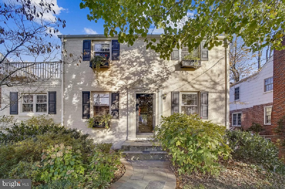 Via Zillow, here's a list of 84 open houses that you can visit taking place this weekend – November 28-29, 2020 – in Alexandria, Virginia.